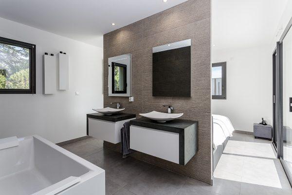 Salle de bain dans suite parentale