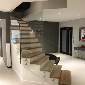 escalier verre et bois